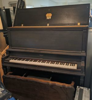 Baldwin Hamilton Chicago Piano Upright Vintage circa 1970s Papal Medal Works for Sale in South Pasadena, CA