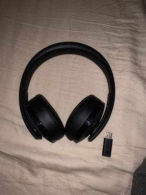 PlayStation 4 Wireless Headset (i could lower price) for Sale in Valley Stream, NY