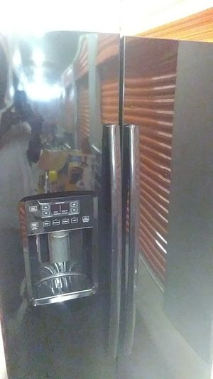 Stainless steel refrigerator for Sale in Atlanta, GA
