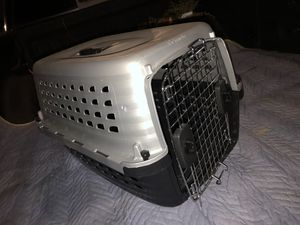 Pet carrier 24 in for Sale in Orlando, FL