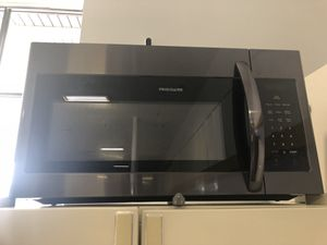 """30"""" NEW FRIGIDAIRE OVER THE RANGE MICROWAVE BLACK STAINLESS STEEL WITH ONE YEAR WARRANTY for Sale in Woodbridge, VA"""