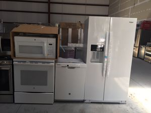 4-piece kitchen appliances in white for Sale in Tampa, FL