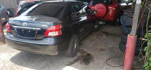 2011 Toyota yaris for Sale in Orlando, FL