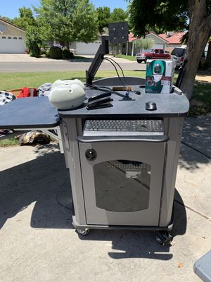 COMPUTER WORK STATION/$125 OBO!! for Sale in Fresno, CA