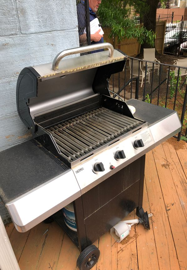 Gas grill $70