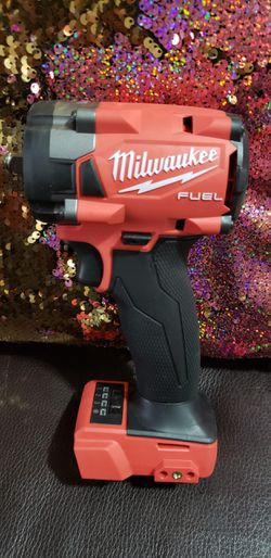 """MILWAUKEE M18 FUEL BRUSHLESS 3/8"""" IMPACT WRENCH with FRICTION RING Comes with 1-CP3.0 High Output battery New $230. for Sale in North Miami,  FL"""