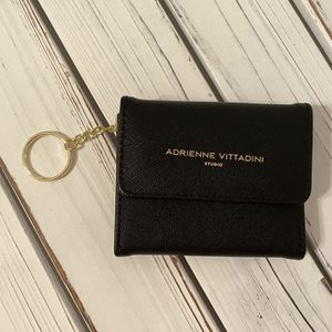 New Black Adrienne Vittadini Small Wallet for Sale in Wheeling, IL