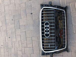 Audi Q5 front grille for Sale in Phoenix, AZ
