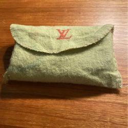 Louis Vuitton Wallet/key Holder for Sale in Fairfax,  VA