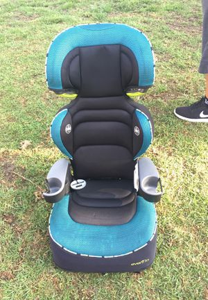 EVeno booster seat for Sale in Bell Gardens, CA