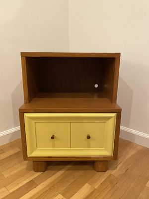 Small vintage side table / night stand for Sale in Los Angeles, CA