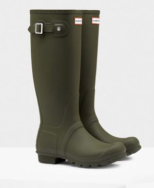 Hunter rain boots brand new for Sale in Brooklyn, NY