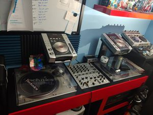 Dj equipment. See descrption for deatils . technics pioneer traktor for Sale in Streamwood, IL