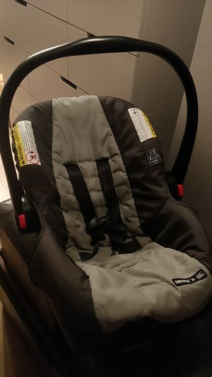 Graco car seat for Sale in San Francisco, CA