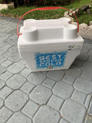 Cooler for Sale in Coral Springs, FL