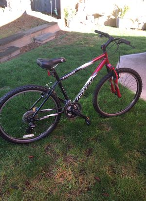 Men's Giant Boulder 7 speed 26 inches for Sale in Kent, WA