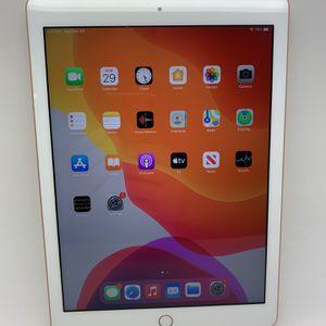 Unlocked Apple iPad 6th gen 32GB Wi-Fi + Cellular Rose gold for Sale in Deerfield Beach, FL