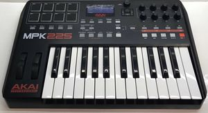 Akai Keyboard MPK225 for Sale in Port St. Lucie, FL