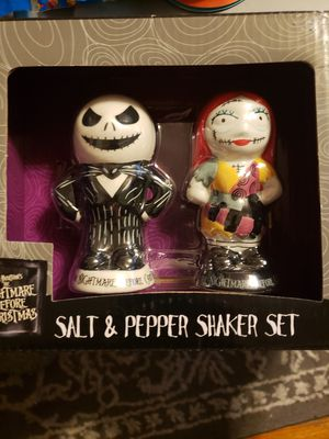 Nightmare before Christmas salt and pepper shaker for Sale in Chicago, IL