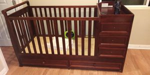 Babby crib with changing table for Sale in Los Angeles, CA