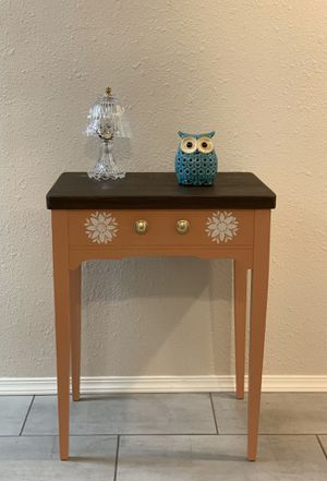 """End Table ( L 24"""" X W 17.5"""" X H 30"""" ) for Sale in Tacoma, WA"""