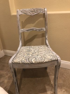 Refinished antique reading table and chairs for Sale in Phoenix, AZ