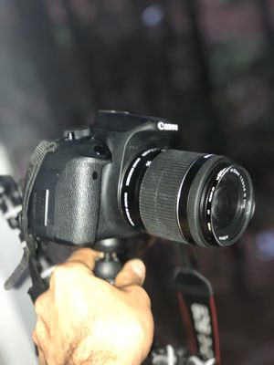 Canon T5i for Sale in Riverdale, GA