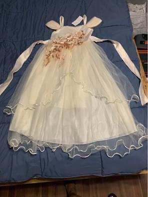Flower girl dress size 7-8 yrs for Sale in Cherry Hill, NJ