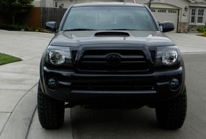 Selling Gorgeous 2007 Toyota Tacoma TRD Clear titile for Sale in Portsmouth, VA
