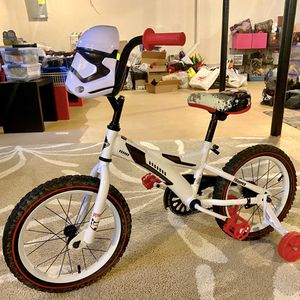 Barely used 16 inch stormtrooper kids bike with training wheels. for Sale in Farmington Hills, MI
