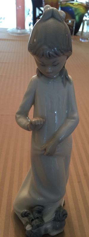 Lladro Nao Dasia Girl with dog figurine for Sale in Encinitas, CA