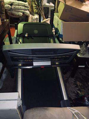 Free treadmill Inclined but doesn't run for Sale in Jonesboro, GA