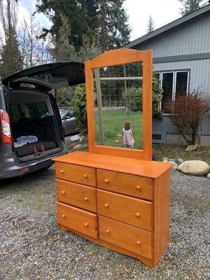 Beautiful Dresser & Mirror set! for Sale in Vashon, WA