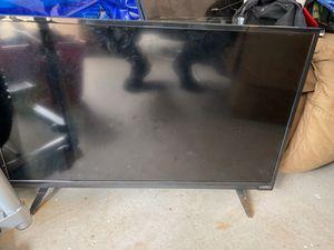 """40"""" VIZIO Flatscreen TV for Sale in Daleville, AL"""