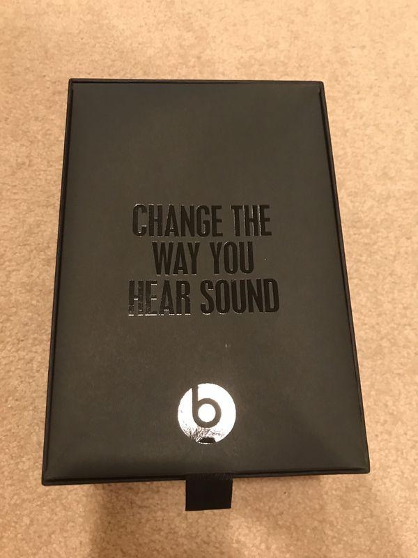 Beats solo 2 special edition sapphire blue headphones