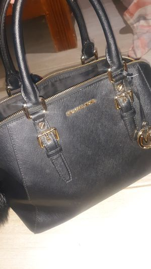 Authentic MICHAEL KORS hand bag for Sale in Clarksville, TN