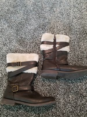 Girls brown boots with fur for Sale in Thrall, TX