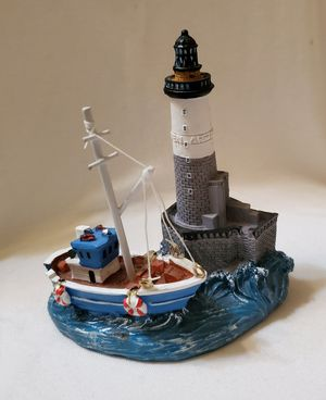 Small Lighthouse and Boat Decoration for Sale in Riverdale Park, MD
