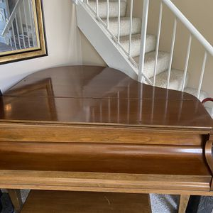 500$ Baby grand Piano for Sale in Canyon Country, CA