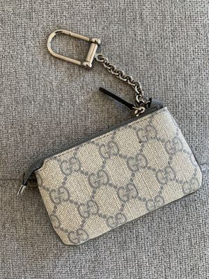 Gucci pouch for Sale in Frisco, TX