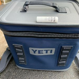 Yeti Hopper Flip 18 Charcoal Colored Soft Cooler for Sale in Austin, TX