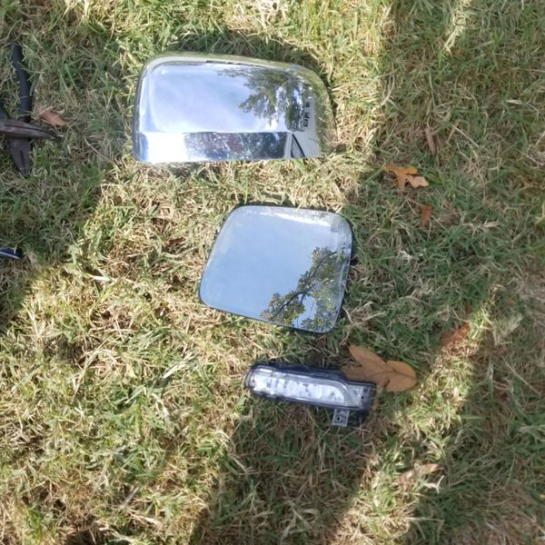 2012 2017 jeep grand Cherokee driver side mirror pars