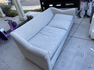 8ft long couch with pillows for Sale in Lathrop, CA