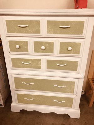 Free dresser for Sale in San Jose, CA