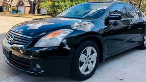 Clear 2008 Nissan Altima FWDWheels Beautiful for Sale in Dayton, OH