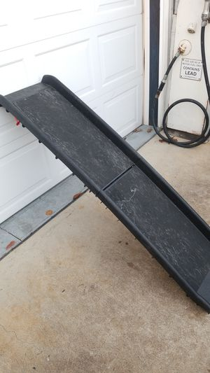 Solve it folding pet ramp for Sale in Scranton, PA