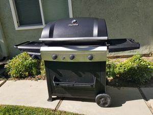 3 Burner CharBroil Performance Grill with Side Burner for Sale in Chino, CA