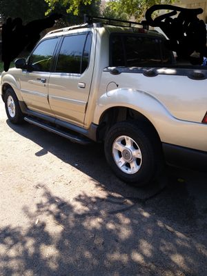 🚚2001 FORD EXPLORER SPORT TRAC* CLEAN TITLE*DAILY DRIVER BY OWNER.🚙 SERIOUS BUYERS!!✍️ for Sale in Austin, TX