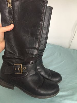 Naturalizer women's boots size 5.5 for Sale in Washington, DC