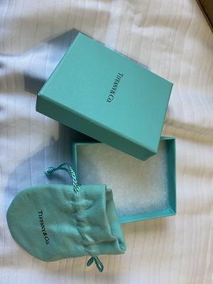Tiffany box and bag for Sale in Las Vegas, NV